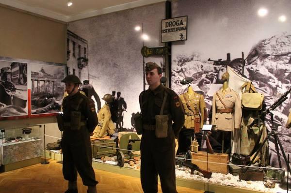 Muzealna-GH-prezentuje-frag-wystawy-Monte-Cassino