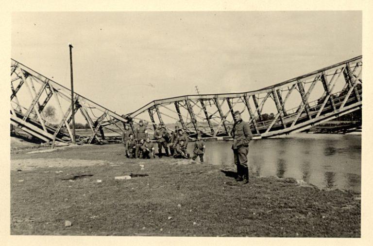 Pozowanie pod mostem 2